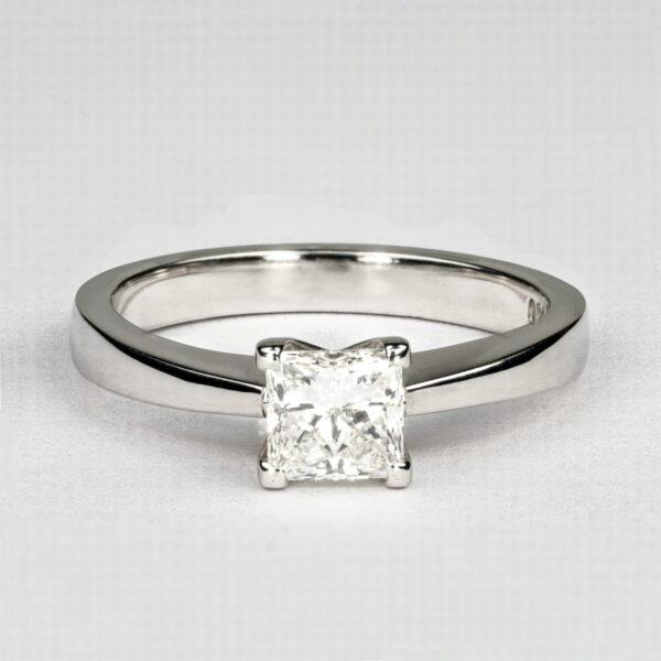 Alan Dalton goldsmith one carat diamond