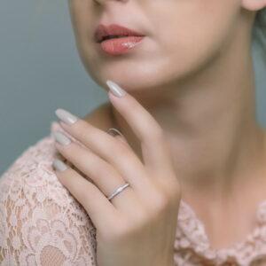 Alan Dalton goldsmith pave set diamond wedding ring