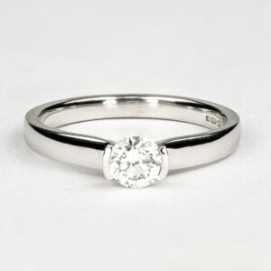 Alan Dalton goldsmith platinum bezel ring