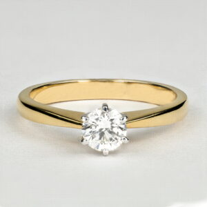 Alan Dalton goldsmith yellow gold diamond ring