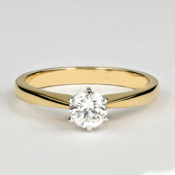 Alan Dalton goldsmith yellow gold diamond ring